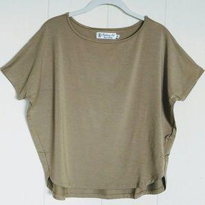 Fighting🤼 Eel Top Honey🍯 Size XS - NWT